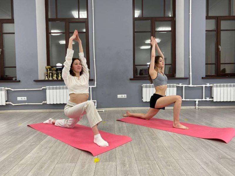 тренер по йоге онлайн